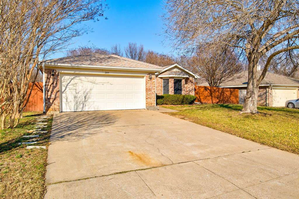 205 King Arthur Drive, Weatherford, Texas 76086 - acquisto real estate best allen realtor kim miller hunters creek expert
