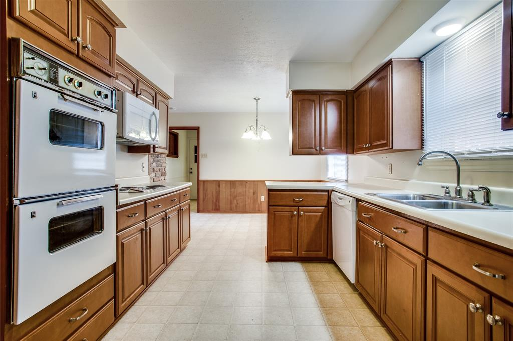 1321 Seminole Drive, Richardson, Texas 75080 - acquisto real estate best real estate company in frisco texas real estate showings