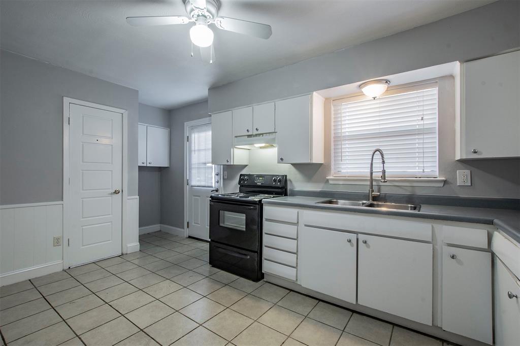1317 Crockett Street, Garland, Texas 75040 - acquisto real estate best flower mound realtor jody daley lake highalands agent of the year