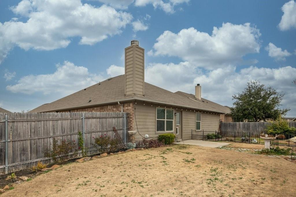 1337 Shelley Drive, Burleson, Texas 76028 - acquisto real estate agent of the year mike shepherd