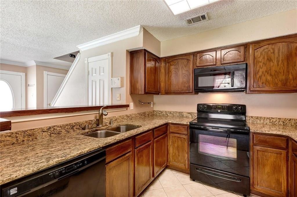 3925 Brandon Park Drive, Garland, Texas 75044 - acquisto real estate best prosper realtor susan cancemi windfarms realtor