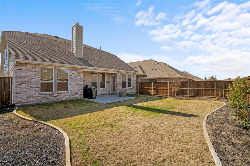 529 Barnstorm Drive, Celina, Texas 75009 - acquisto real estate best plano real estate agent mike shepherd