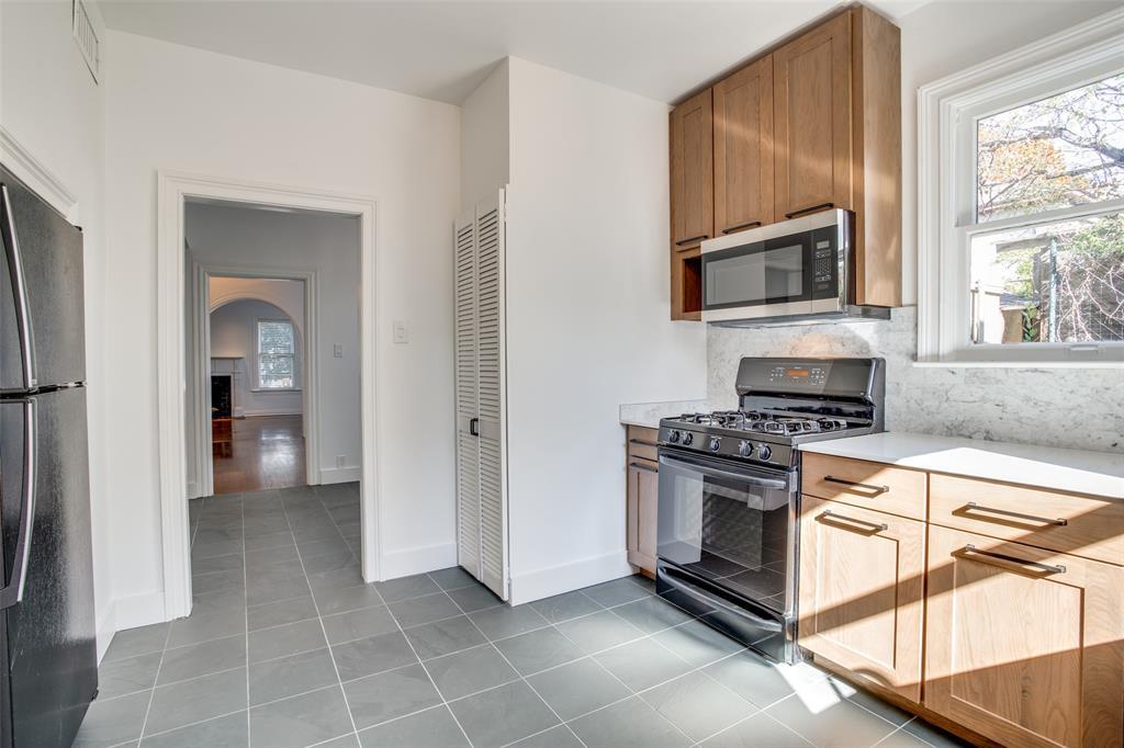 3616 Hawthorne Avenue, Dallas, Texas 75219 - acquisto real estate best highland park realtor amy gasperini fast real estate service