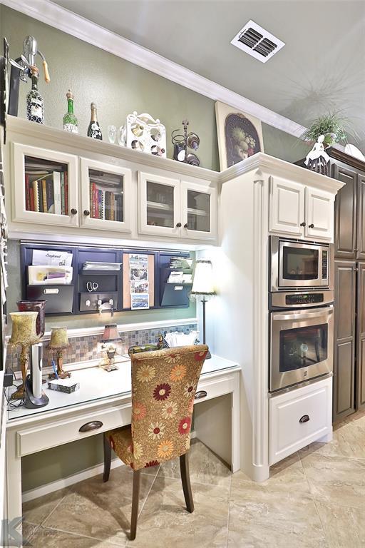 2409 Wyndham  Court, Abilene, Texas 79606 - acquisto real estate best highland park realtor amy gasperini fast real estate service