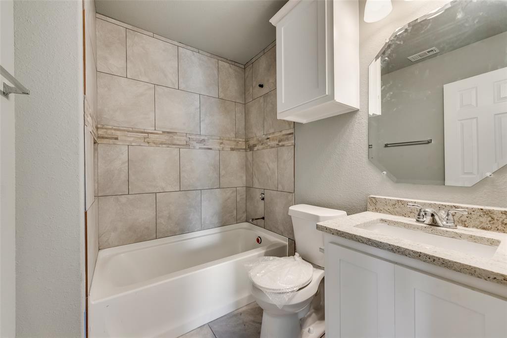 1619 Laura Road, River Oaks, Texas 76114 - acquisto real estate best designer and realtor hannah ewing kind realtor