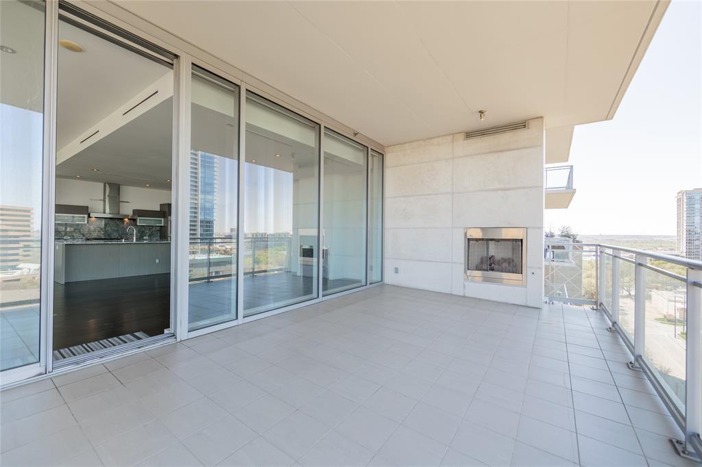 2900 Mckinnon  Street, Dallas, Texas 75201 - acquisto real estate best looking realtor in america shana acquisto
