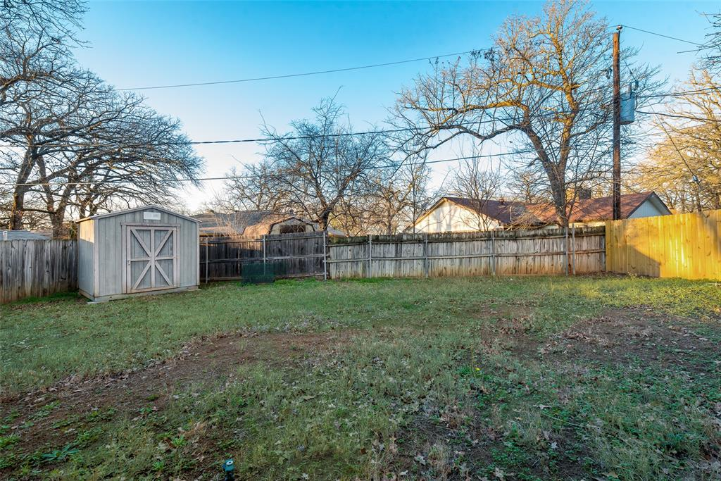 2111 Reverchon Drive, Arlington, Texas 76017 - acquisto real estate best listing photos hannah ewing mckinney real estate expert