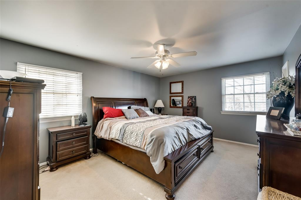 11615 Rogue Way, Dallas, Texas 75218 - acquisto real estate best investor home specialist mike shepherd relocation expert
