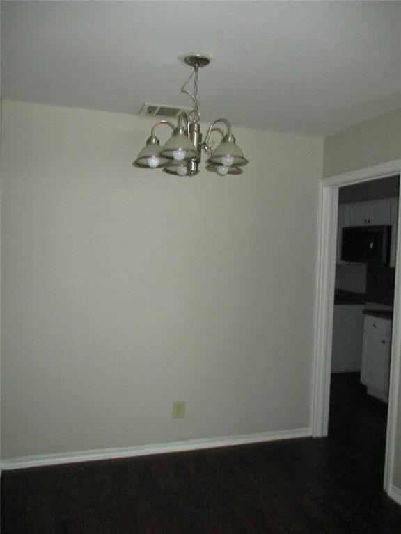 3834 Fortune Lane, Dallas, Texas 75216 - acquisto real estate best celina realtor logan lawrence best dressed realtor