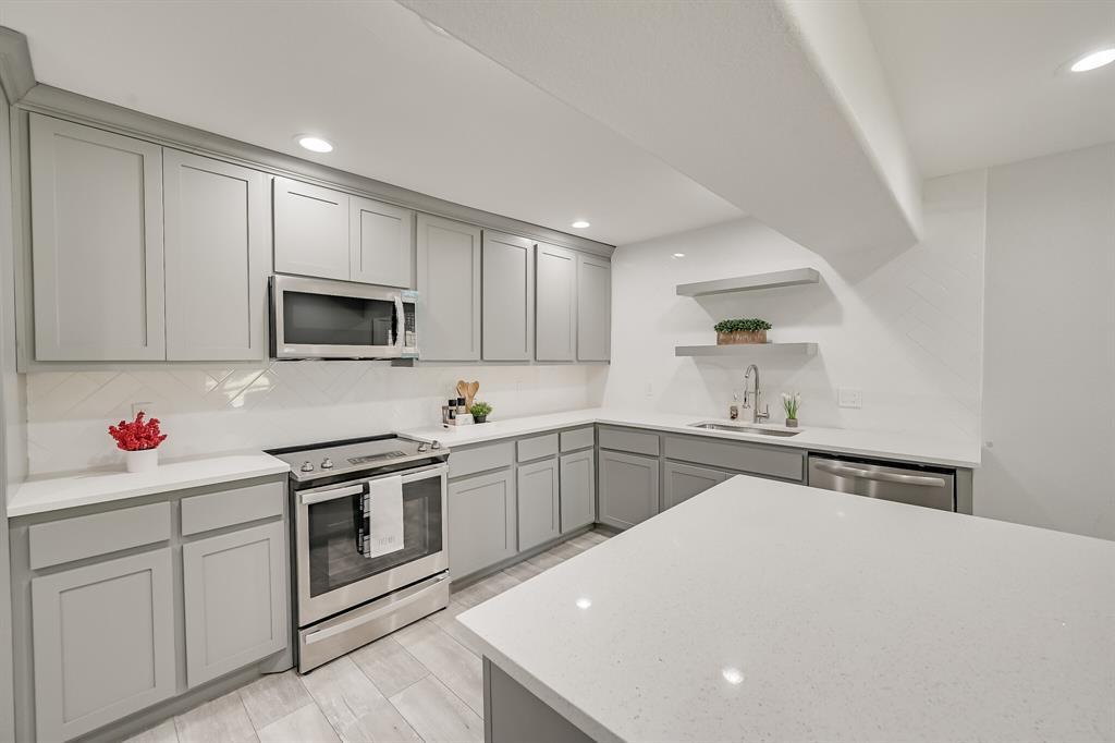 4409 Morris Court, Fort Worth, Texas 76103 - acquisto real estate best luxury buyers agent in texas shana acquisto inheritance realtor