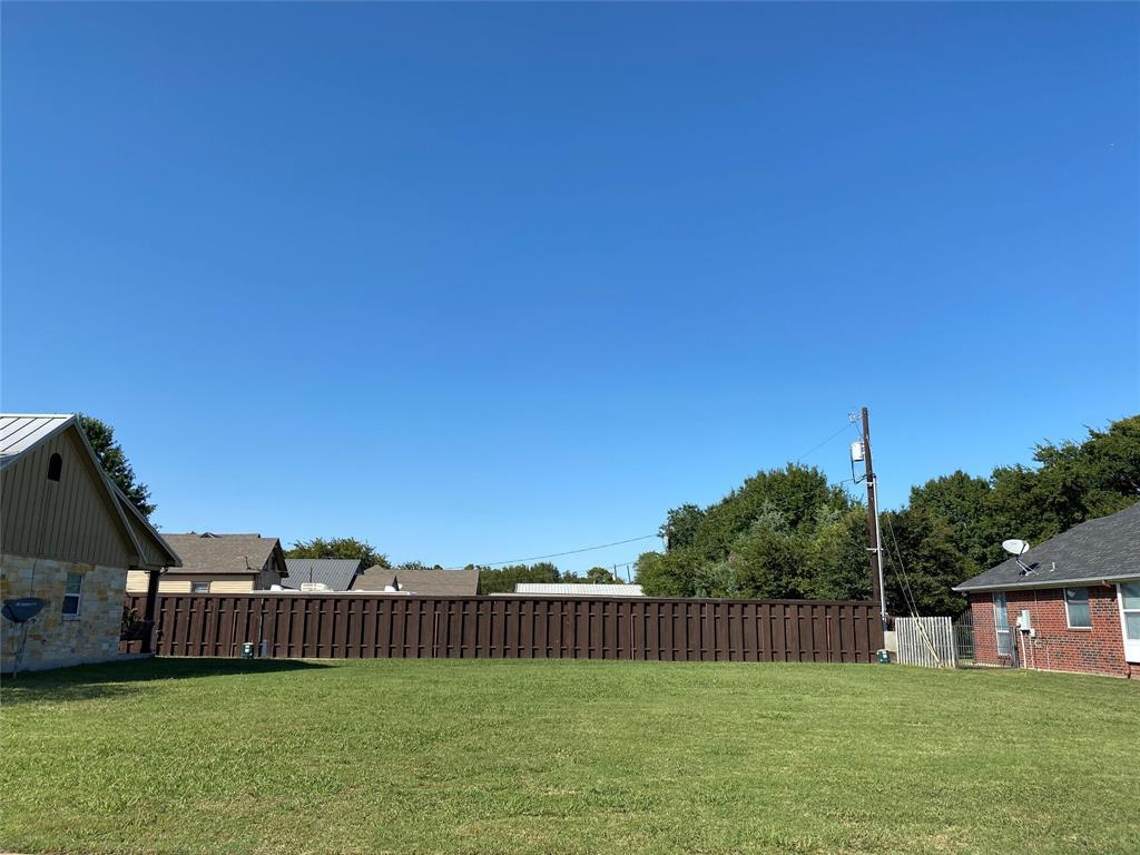 123 2nd Street, Lindsay, Texas 76250 - Acquisto Real Estate best frisco realtor Amy Gasperini 1031 exchange expert