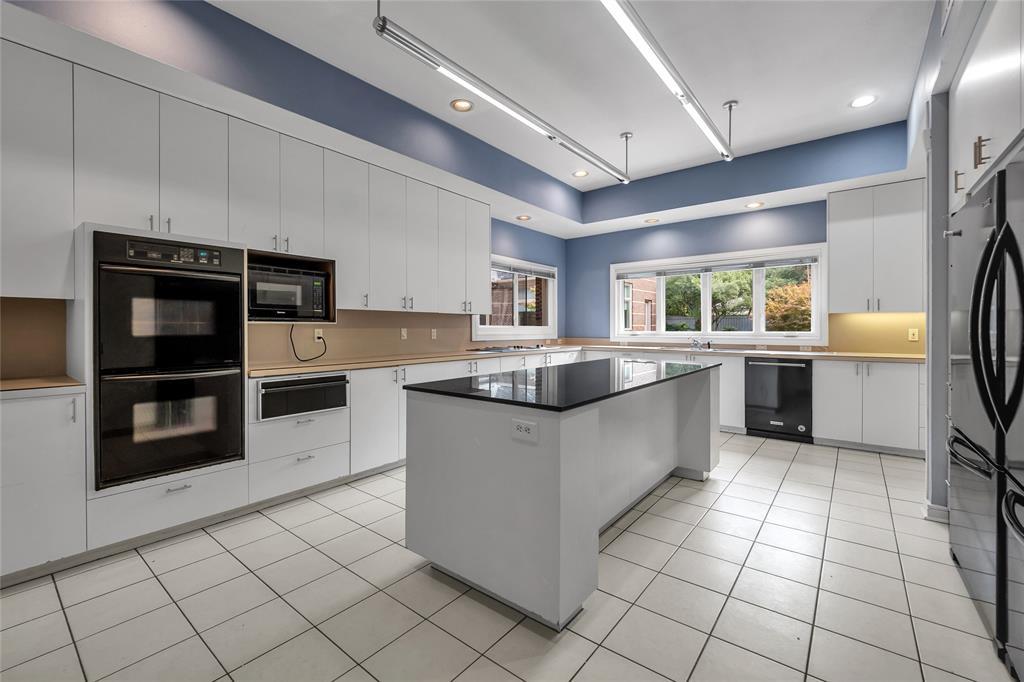 10131 Hollow Way Road, Dallas, Texas 75229 - acquisto real estate best new home sales realtor linda miller executor real estate