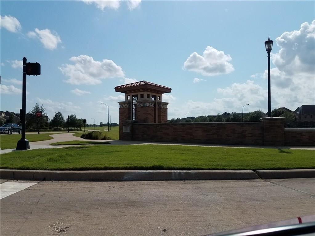 3231 Guadaloupe Grand Prairie, Texas 75054 - acquisto real estate best realtor foreclosure real estate mike shepeherd walnut grove realtor