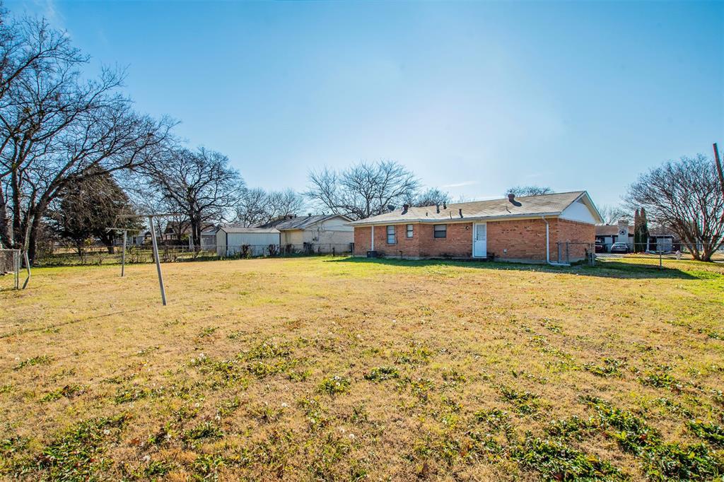 1317 Crockett Street, Garland, Texas 75040 - acquisto real estate best realtor westlake susan cancemi kind realtor of the year