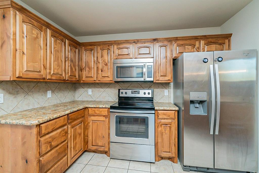 441 Buoy Drive, Crowley, Texas 76036 - acquisto real estate best real estate company in frisco texas real estate showings