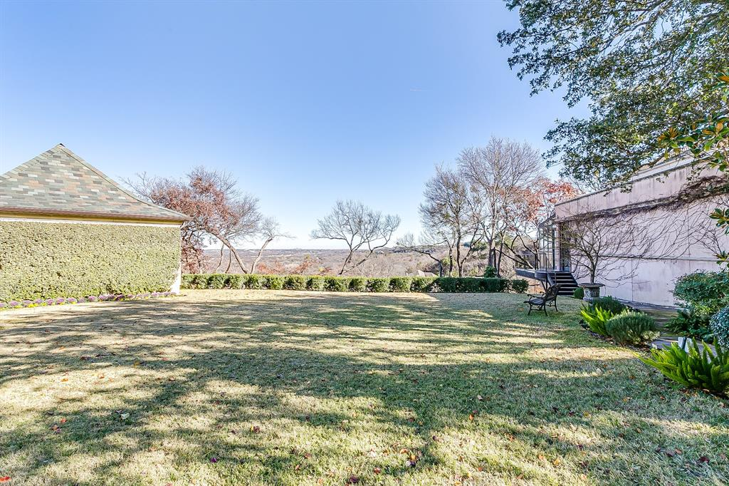 1905 Highland Park Circle, Fort Worth, Texas 76107 - acquisto real estate best park cities realtor kim miller best staging agent