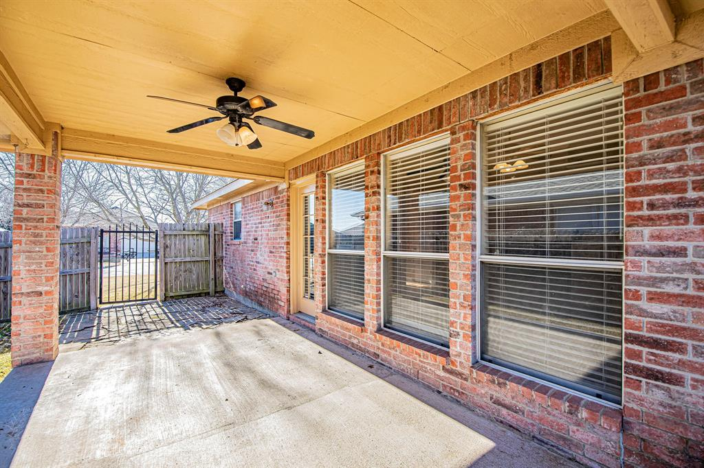 3207 Dove Valley Lane, Mansfield, Texas 76063 - acquisto real estate best plano real estate agent mike shepherd