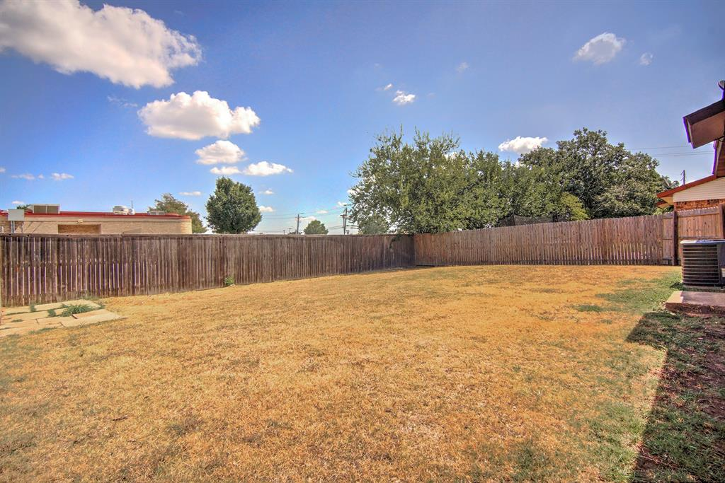555 Hawthorne Drive, Allen, Texas 75002 - acquisto real estate best investor home specialist mike shepherd relocation expert