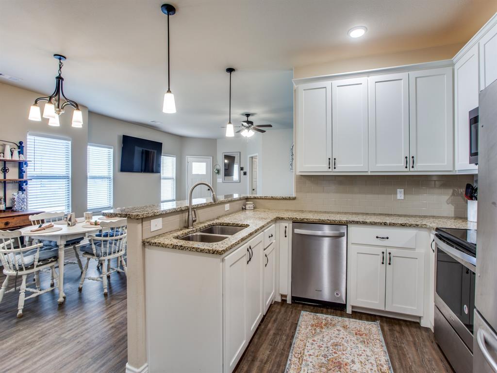 415 Montague Street, Pilot Point, Texas 76258 - acquisto real estate best luxury buyers agent in texas shana acquisto inheritance realtor