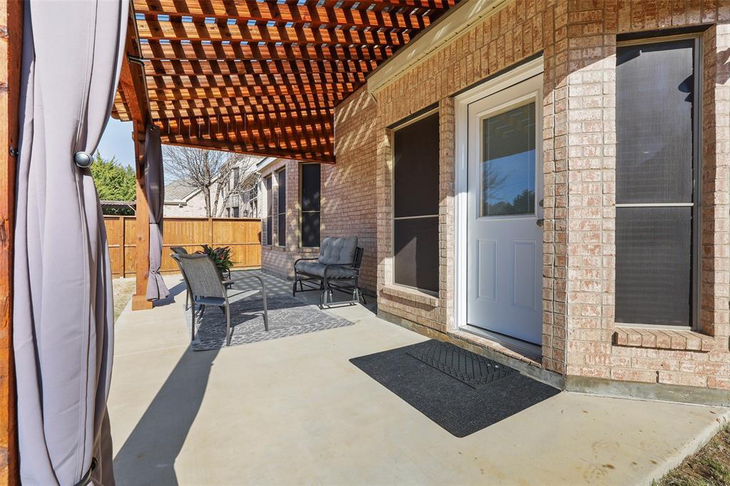 8450 Linden Street, Lantana, Texas 76226 - acquisto real estate best plano real estate agent mike shepherd