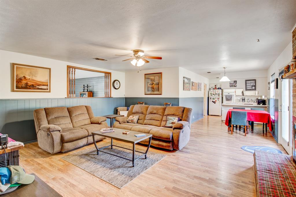 3825 Carman Drive, Benbrook, Texas 76116 - acquisto real estate best listing agent in the nation shana acquisto estate realtor
