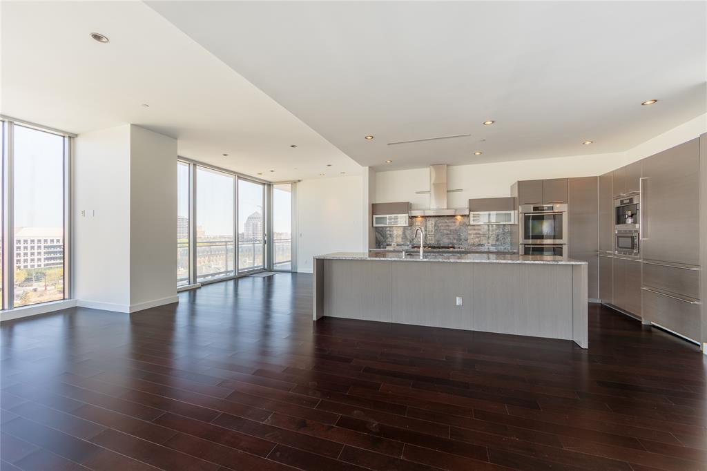 2900 Mckinnon  Street, Dallas, Texas 75201 - acquisto real estate best allen realtor kim miller hunters creek expert