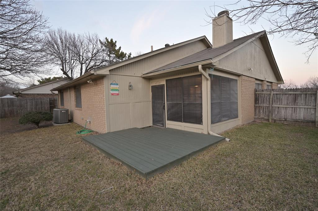 108 Flaxseed Lane, Fort Worth, Texas 76108 - acquisto real estate best park cities realtor kim miller best staging agent