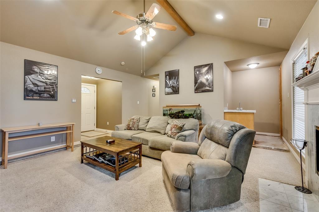 2111 Reverchon Drive, Arlington, Texas 76017 - acquisto real estate best real estate company to work for