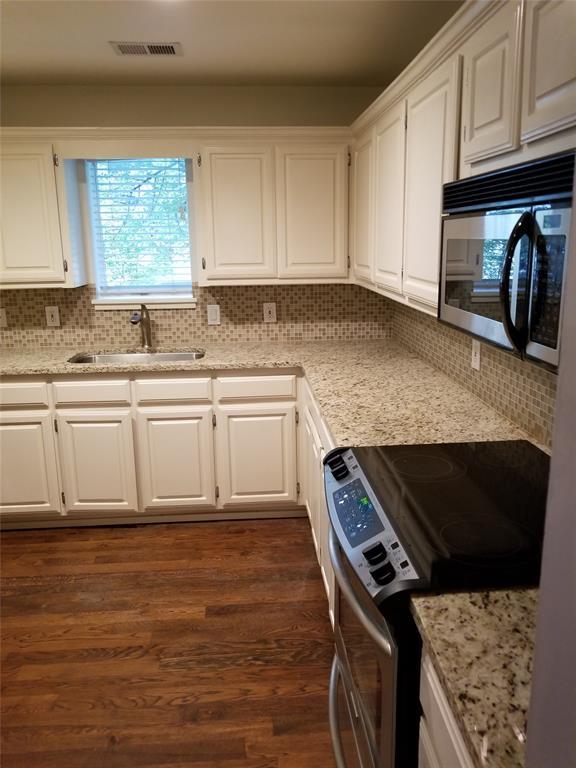 3906 Buena Vista Street, Dallas, Texas 75204 - acquisto real estate best highland park realtor amy gasperini fast real estate service