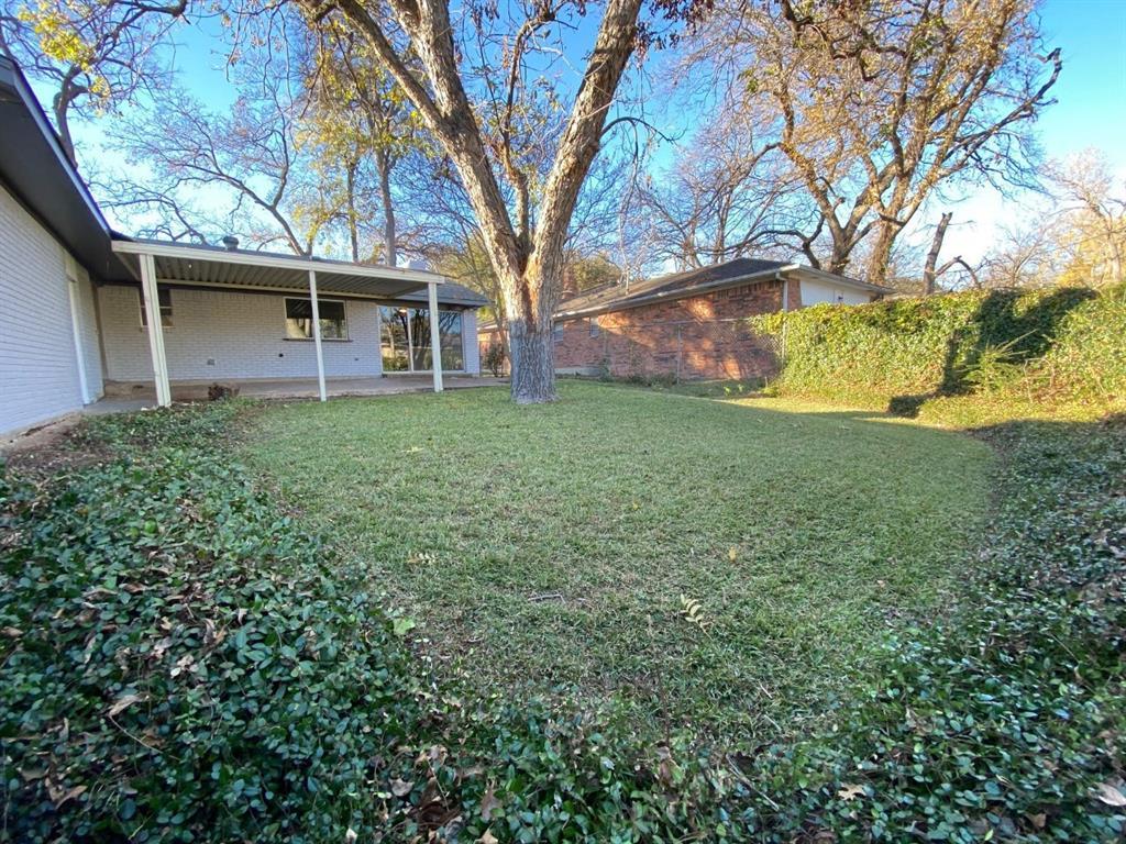 6932 Allview Lane, Dallas, Texas 75227 - acquisto real estate best realtor foreclosure real estate mike shepeherd walnut grove realtor