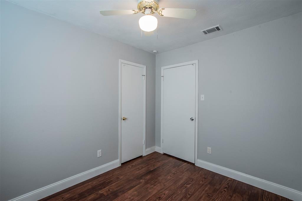 1317 Crockett Street, Garland, Texas 75040 - acquisto real estate best new home sales realtor linda miller executor real estate