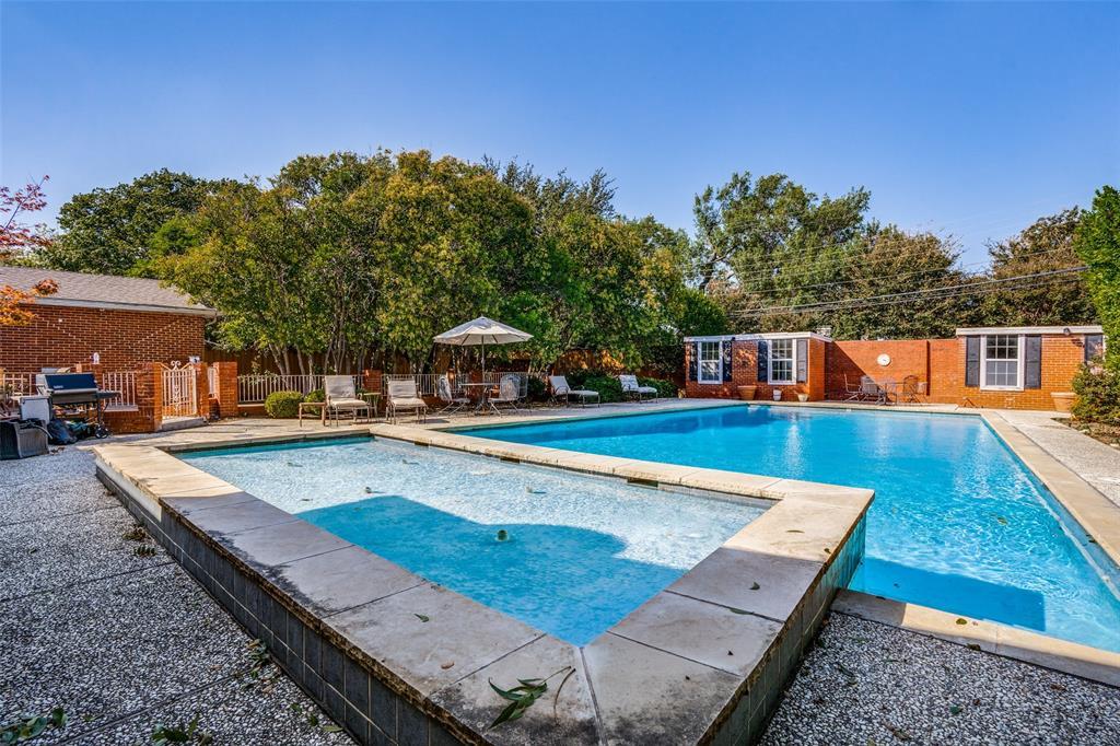 6931 Currin Drive, Dallas, Texas 75230 - acquisto real estate best frisco real estate agent amy gasperini panther creek realtor