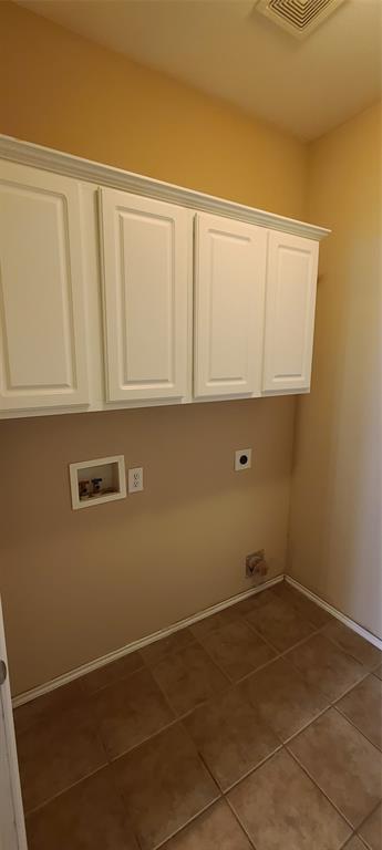 2811 Prado Grand Prairie, Texas 75054 - acquisto real estate best plano real estate agent mike shepherd