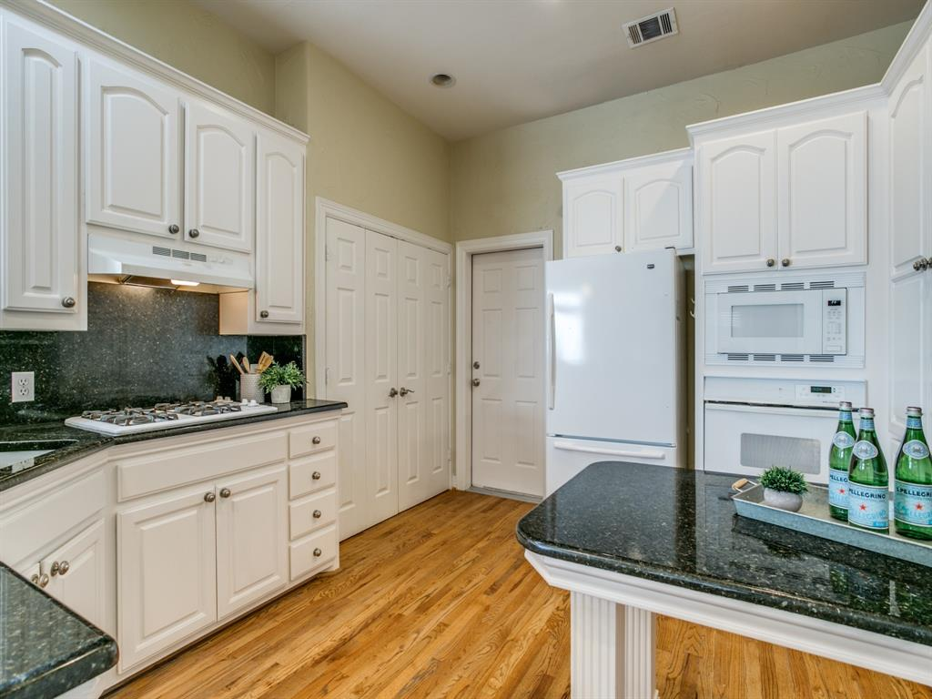 4102 Oberlin Way, Addison, Texas 75001 - acquisto real estate best real estate company in frisco texas real estate showings