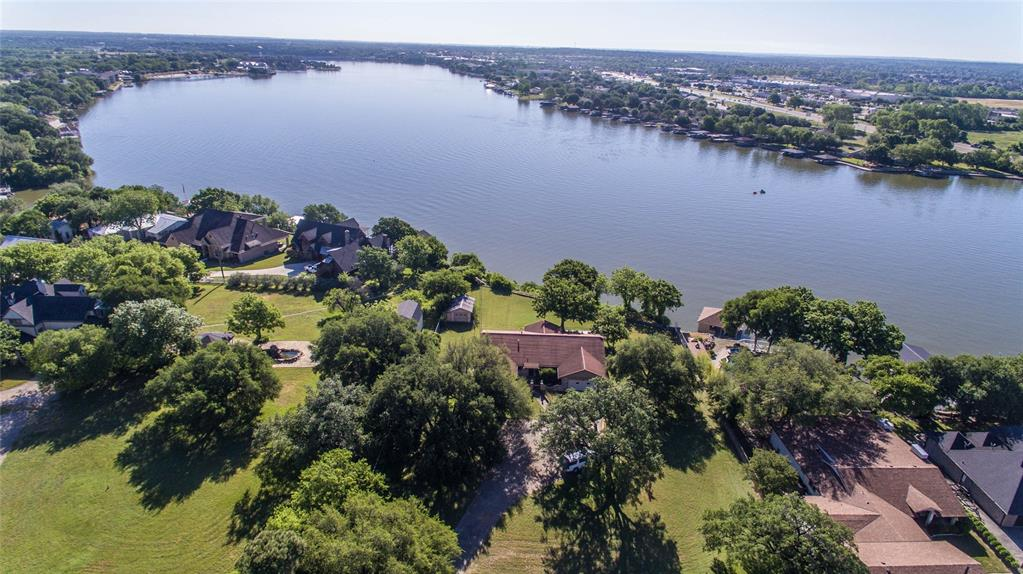 400 Atchley  Drive, Granbury, Texas 76048 - Acquisto Real Estate best plano realtor mike Shepherd home owners association expert
