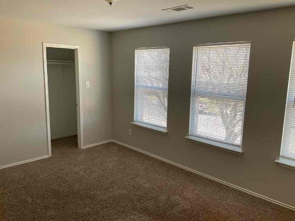3010 Dusty Oak Drive, Dallas, Texas 75227 - acquisto real estate best realtor foreclosure real estate mike shepeherd walnut grove realtor