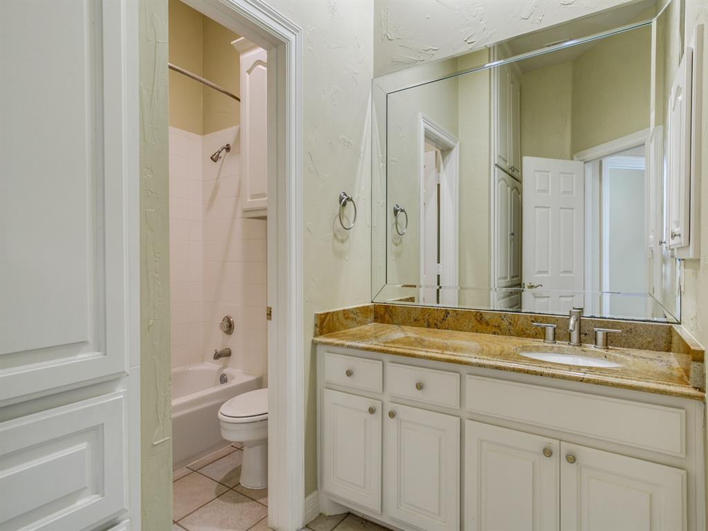 4102 Oberlin Way, Addison, Texas 75001 - acquisto real estate best photos for luxury listings amy gasperini quick sale real estate