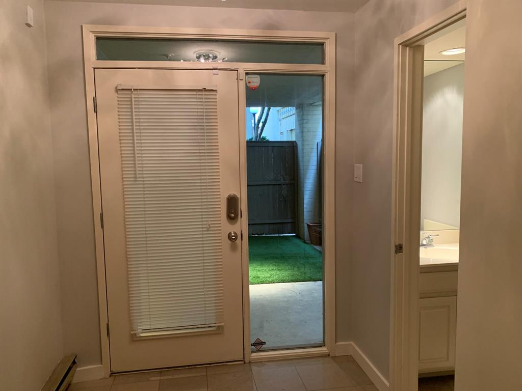 3906 Buena Vista Street, Dallas, Texas 75204 - acquisto real estate best realtor foreclosure real estate mike shepeherd walnut grove realtor