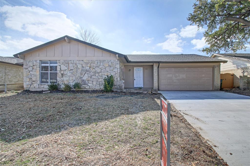 1718 Briar Meadow Drive, Arlington, Texas 76014 - Acquisto Real Estate best plano realtor mike Shepherd home owners association expert
