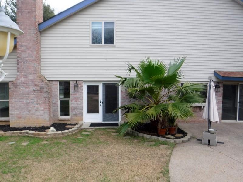 4222 Glen Springs Drive, Arlington, Texas 76016 - acquisto real estate best plano real estate agent mike shepherd