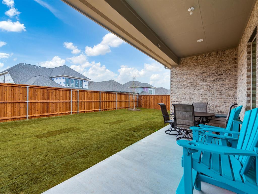 1009 Queens Lake Trail, McKinney, Texas 75071 - acquisto real estate best negotiating realtor linda miller declutter realtor