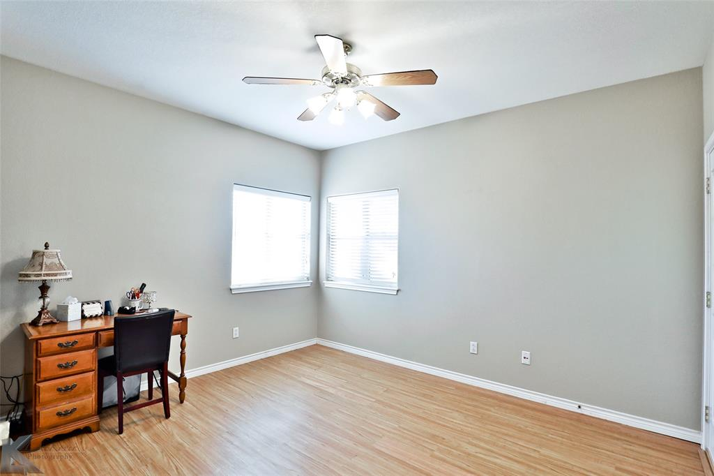 8541 Saddle Creek Road, Abilene, Texas 79602 - acquisto real estate best realtor dfw jody daley liberty high school realtor