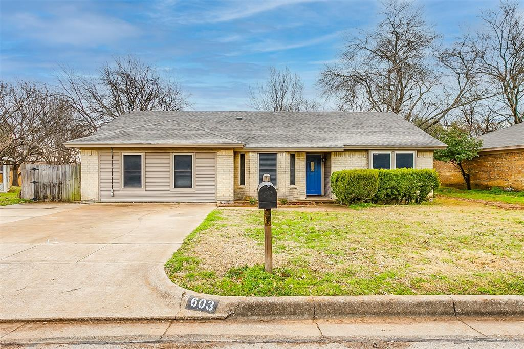 603 Pleasant Manor Avenue, Burleson, Texas 76028 - Acquisto Real Estate best plano realtor mike Shepherd home owners association expert