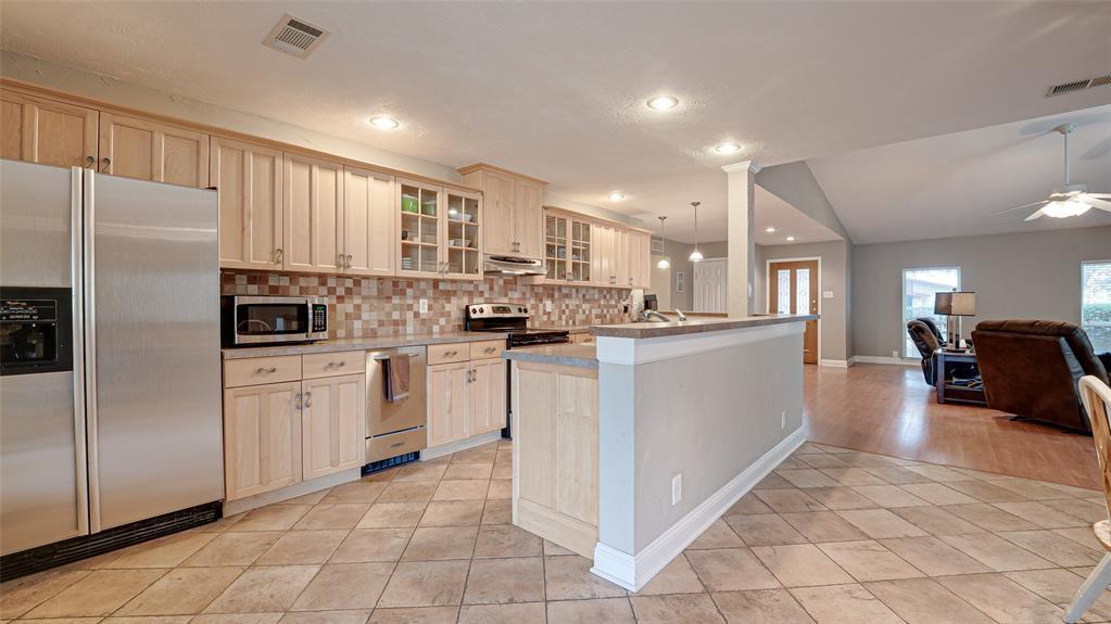 928 Mossvine Drive, Plano, Texas 75023 - acquisto real estate best listing listing agent in texas shana acquisto rich person realtor
