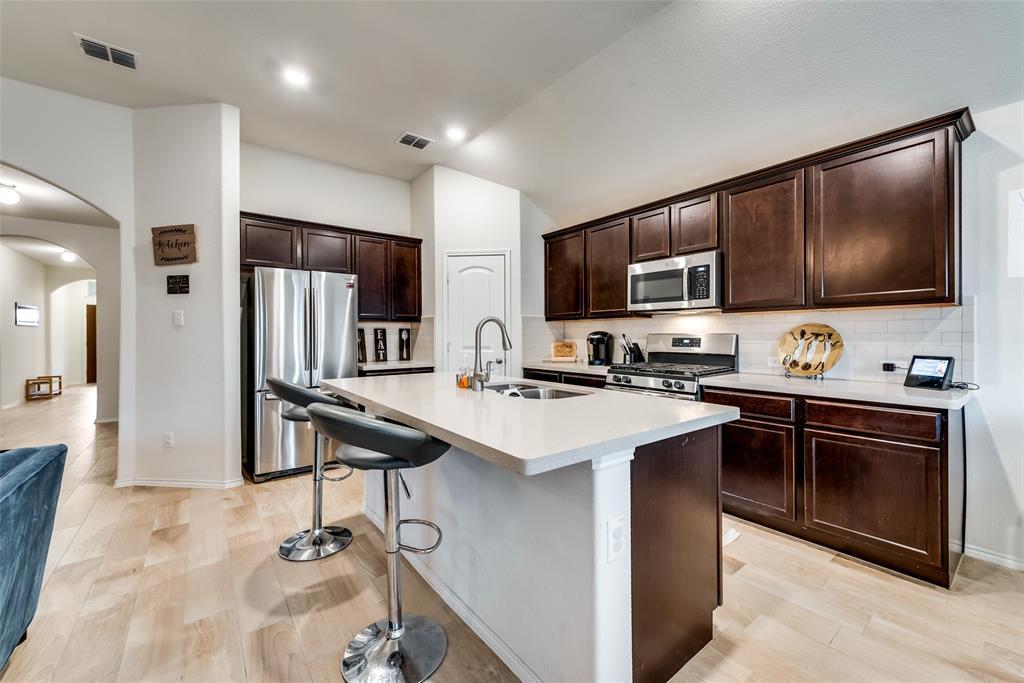 1979 Travertine Avenue, Heartland, Texas 75126 - acquisto real estate best highland park realtor amy gasperini fast real estate service