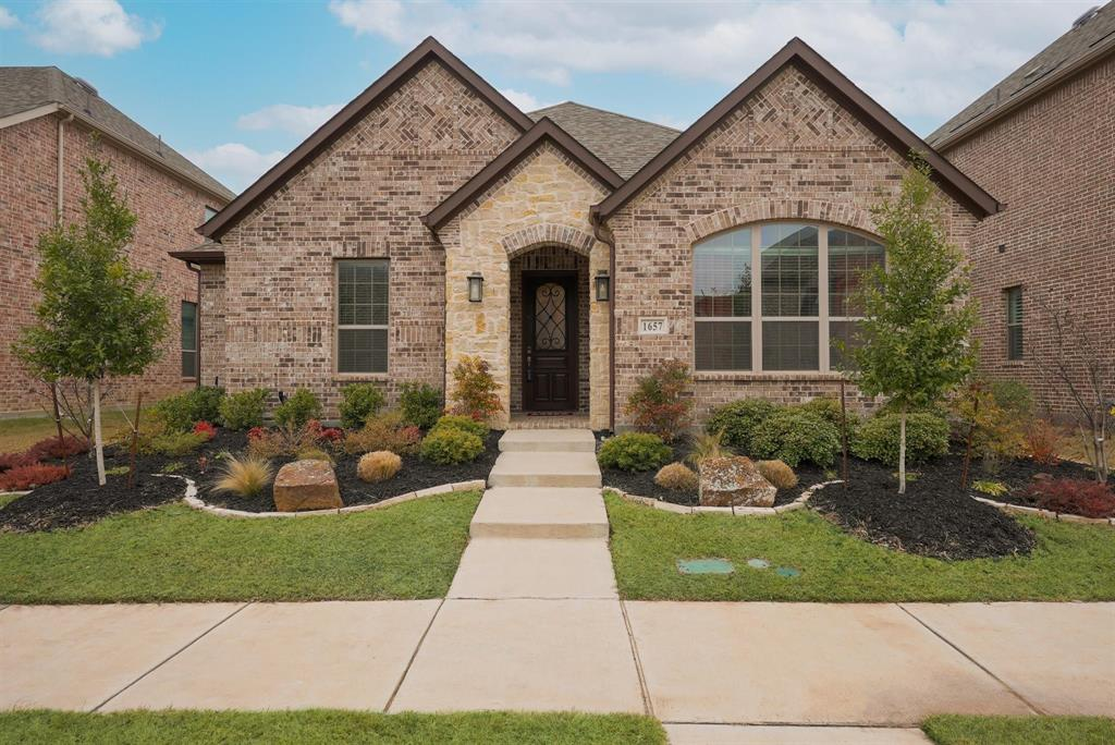 1657 Ashington Trail, Farmers Branch, Texas 75234 - Acquisto Real Estate best plano realtor mike Shepherd home owners association expert