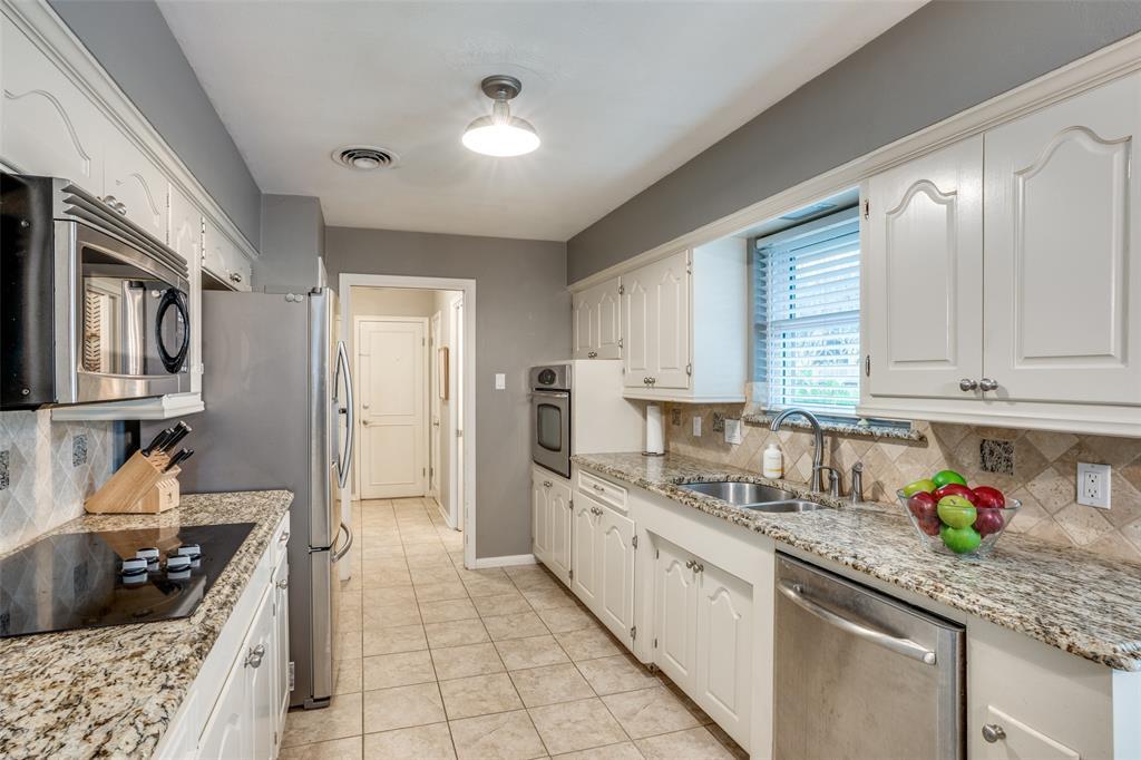 3224 Chapel Downs Drive, Dallas, Texas 75229 - acquisto real estate best highland park realtor amy gasperini fast real estate service