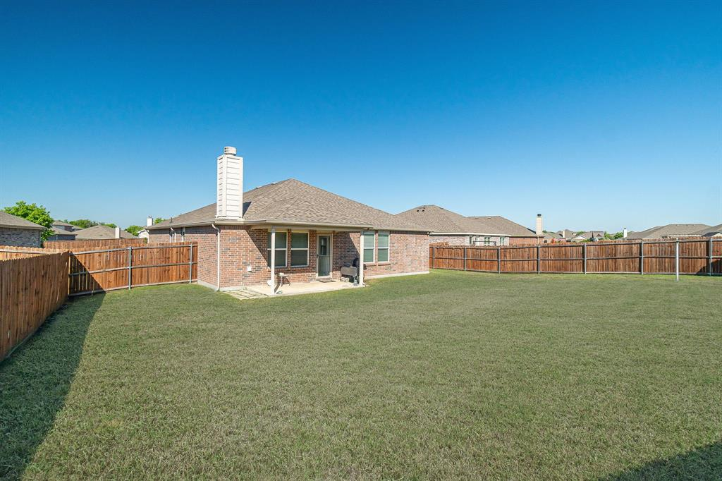 1721 Christopher Creek Drive, Little Elm, Texas 75068 - acquisto real estaet best boutique real estate firm in texas for high net worth sellers