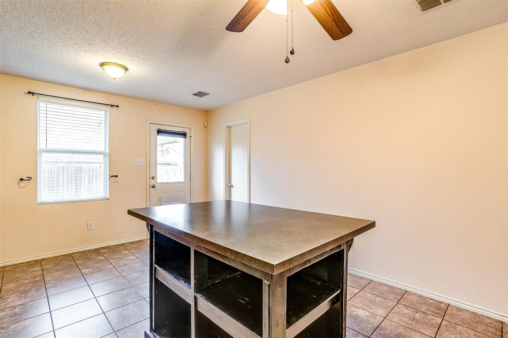 3848 Irish Setter Drive, Fort Worth, Texas 76123 - acquisto real estate best new home sales realtor linda miller executor real estate