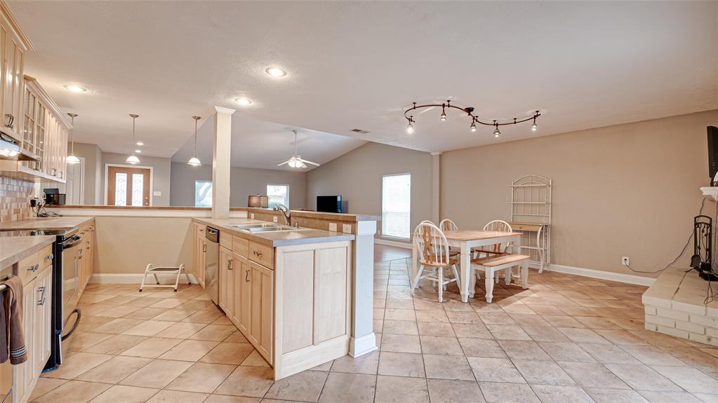 928 Mossvine Drive, Plano, Texas 75023 - acquisto real estate best luxury buyers agent in texas shana acquisto inheritance realtor